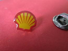 PIN'S    LOGO  SHELL - Badges