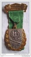 Medaille Marche 1972  REUTLINGEN Volksmarsch  Blason 73° RA  Allemagne - Sports