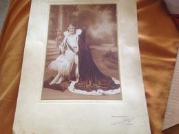 Femme Reine Du Comité Des ?? Photographe Arloing Vichy Pinson & Guelpa Succ - Personnes Anonymes