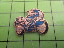310a PIN'S PINS / Rare Et De Belle Qualité / THEME MOTOS / BELLE MOTO BLEU GENDARMERIE ET OR - Motorbikes