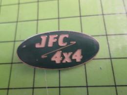 310a PIN'S PINS / Rare Et De Belle Qualité / THEME AUTOMOBILE / 4x4 GARAGE JFC CONCESSIONNAIRE - Badges