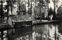- Dpts Div.-ref-AB798- Eure Et Loir - Saint Prest -st Prest -pont Des Falaises  Villa Des Peupliers - Villas - Lavoir - - Autres Communes