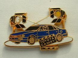 Pin's TOYOTA CAMRY BLEUE - ARTHUS BERTRAND - Toyota