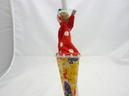 Jeux Et Jouet.Marotte  Ancienne Type Shangai Toys Personnage En Tissu Rouge Et Bonnet 29cm - Other Collections