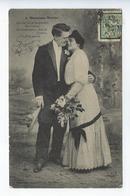 CPA Couples Amoureux Nouveaux Mariés On S'en Va Se Becquetant - Couples