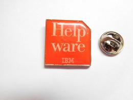 Informatique , Help Ware IBM , Rayures Dans L'époxy - Computers