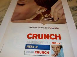 ANCIENNE PUBLICITE CHOCOLAT CRUNCH DE  NESTLE 1966 - Posters