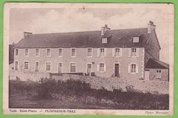 Rare CPA PLOUNEOUR TREZ Ecole Saint Pierre 29 Finistère - Frankreich