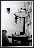 B5770 - Altes Foto - Stehlampe Lame Lampemschirm - Inneneinrichtung Wohnung - Fotografía