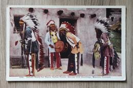 INDIANS READY FOR DANCE - INDIAN PUEBLO - MANITOU (COLORADO) - Native Americans