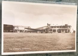 RU Aéroport Guernesey Avion De Ligne - Aerodromi