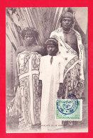 E-Madagascar-92A77  Un Prince Sakalave Et Sa Famille, Cpa BE - Madagascar