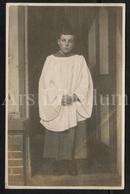 Photo Postcard / Foto / Old Photo / Altar Boy / Misdienaar / Servant D'autel / Size: 8.70 X 13.80 Cm. / England - Photographie