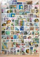 ITALIA REPUBBLICA DAL 1979 IN POI ENORME LOTTO DI FRANCOBOLLI USATI TUTTI COMMEMORATIVI, MIGLIAIA DI PEZZI - Stamps