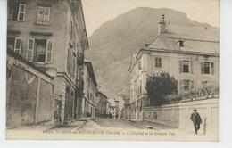 SAINT JEAN DE MAURIENNE - L'Hôpital Et La Grande Rue - Saint Jean De Maurienne