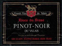 Etiquette De Vin // Pinot Noir Du Valais, Suisse - Military
