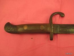 Vieille Baionnette  Ou Couteau Ou Dague   En L'etat - Knives/Swords