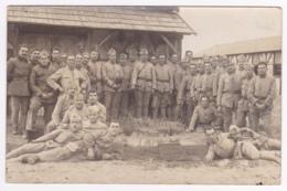 """Carte Photo - Les As De La 8e Du 99 RI Au Camp De Souges - Voir Verso """"recette De Détachant"""" Pas Circulé - Characters"""
