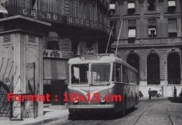 Reproduction D'une Photographie D'un Ancien Bus Trolley Ligne AM Marseille - Reproductions