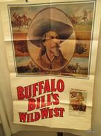 Une  Affiche De Buffalo Bill's  114 Cm  Sur 73 Cm- 1976- - Armes Neutralisées