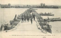 49 ANGERS 6È GENIE TRAVERSANT PONT DE BATEAUX SUR LA MAINE - Angers