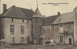 VARENNES SUR AMANCE - La Mairie ( Vieille Voiture ) - Autres Communes
