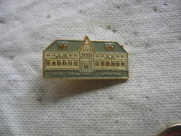 Pin's De L'Ecole Fernand Anna à WITTENHEIM (Dépt 68) - Administrations