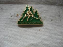 Pin's Spruce Grove Minor Hockey Association. Hockey Sur Glace - Skating (Figure)