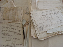 GROS LOT 260 MANUSCRITS DOCUMENTS CACHET GENERALITE MARQUES FISCALES FIN XVII A XIXe VOIR PHOTOS - Manuscripten