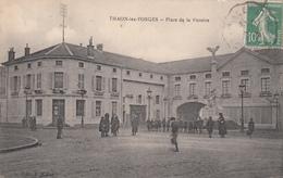88 - THAON -les- VOSGES - Place De La Victoire - Thaon Les Vosges