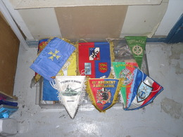 LOT DE 9 FANIONS - Flags