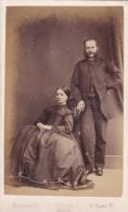 ANTIQUE CDV PHOTO -COUPLE. SEATED  LADY WITH LARGE  DRESS.  BRISTOL STUDIO - Photographs