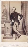 ANTIQUE CDV PHOTO -  MAN EANING ON PEDESTAL.  NEWPORT, I.W. STUDIO - Photographs