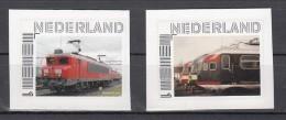 Trein, Train, Locomotieve, Railway, Eisenbahn:  2 Persoonlijke Zegels Zelfklevend Rode DB + 3 Trein Op Een Rij - Treinen