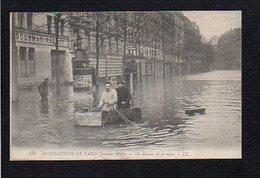 75 Inondations De Paris / 1910  Un Bateau De Fortune ! - Inondations De 1910