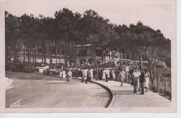 CPSM Pilat-Plage (Le Pyla) - Le Grand Tournant Et Hôtel De La Corniche (avec Jolie Animation Et Voitures Années 30) - Autres Communes
