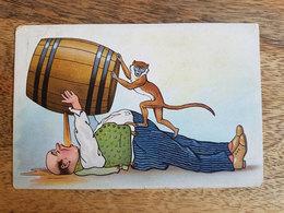 CP Humoristique Singe Aidant Un Gros Homme à Boire Un Fût D'alcool - Printed In Germany - Humor
