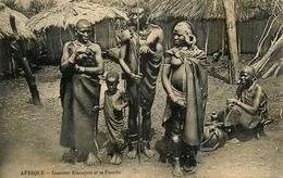 NU ETHNIC - Kenya - Guerrier Kikouyou Et Famille - Kikuyus - Femme - Nue Seins Nus - Ethno Nude - AA62 - Kenya