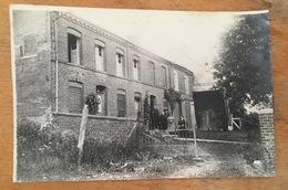 Groupe Devant Une Maison à Mainbressy. Ardennes. - Places