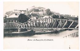 CPA Dos Non Divisé : NAMUR La Passerelle Vicinale Et La Citadelle , Péniches - Namur