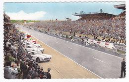 Automobiles   LE MANS Circuit Des 24 Heures Le Départ  Photo Georget Dolbeau - Le Mans