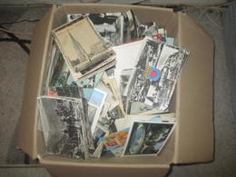 Gros Lot De 2000 Cartes Postales. Cpa. Cpsm, France . Etrangéres ( Majorité France) . Fantaisie, Tout Venant - Cartes Postales