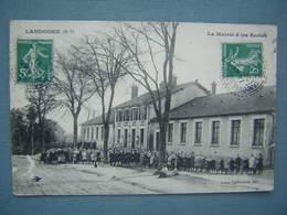 LANDOUGE - LA MAIRIE ET LES ECOLES - France