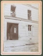 Personnes Au Balcon à Levallois-Perret. 1902. - Places