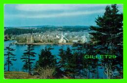 MAHONE BAY, NOVA SCOTIA - ONE OF MANY SEAPORT TOWNS ON THE COAST OF NOVA SCOTIA - THE BOOK ROOM LTD - - Nouvelle-Écosse