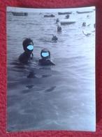 ANTIGUA FOTOGRAFÍA FOTO OLD PHOTO PLAYA MAR SEA PLAGE ? GRUPO DE PERSONAS EN EL AGUA VER FOTO/S SPAIN ? FRANCE ? IDEAL C - Personas Anónimos