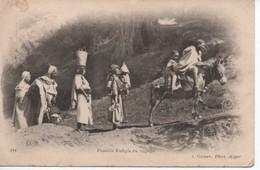 FAMILLE KABYLE  EN VOYAGE - Algeria
