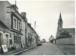 BOISSY-MAUGIS (61.Orne) Rue Principale. Journaux-Tabac. 4L En Stationnement - France
