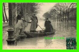 INONDATIONS  DE PARIS, JANVIER 1910 - EMBARQUEMENT DE LA MISSION BELGE - LL. - CIRCULÉE - - Inondations