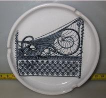 POSACENERE GAUDI BARCELONA - Porcelain